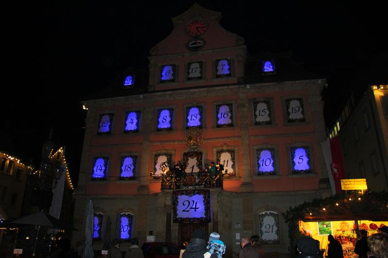 Schwäbisch Gmünd Weihnachtsmarkt.Rathaus Schwäbisch Gmünd